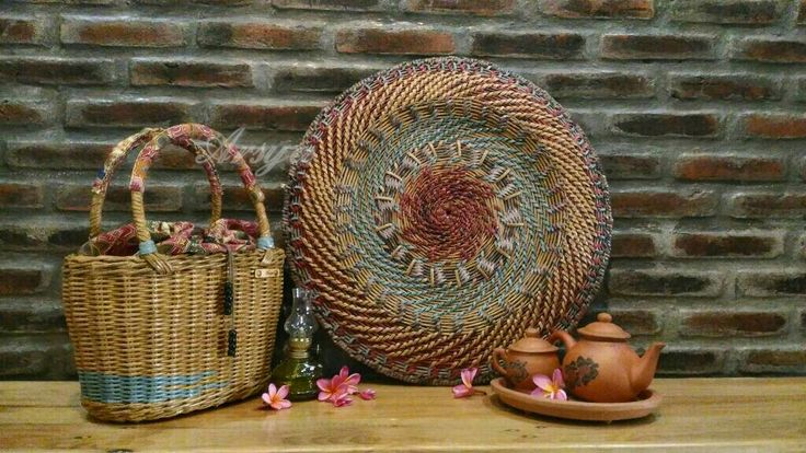 Hiasan dinding, anyaman kertas koran, newspaper weaving, paper wicker, vintage