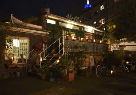 1000 ideas about restaurants d sseldorf on pinterest d sseldorf aussicht and pure freude. Black Bedroom Furniture Sets. Home Design Ideas