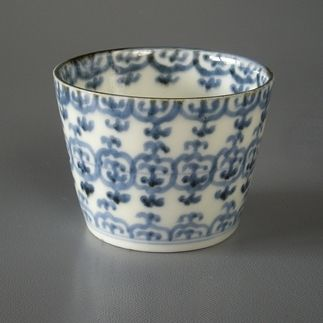 Early Imari ware Japan / Japanese Antiques : More At FOSTERGINGER @ Pinterest ⚫️