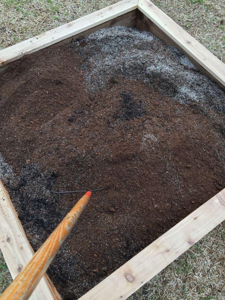 Diy Potting Soil Recipe Garden Soil Vegetable Garden Raised
