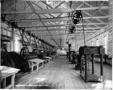 VIEW-3543   Intérieur de l'usine de pâte, chute Ouiatchouan, Val-Jalbert, Lac-Saint-Jean, QC, vers 1903