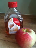 Peel the apple. Coarsely chop the apple and place in a blender. Add honey and puree. Wash your face with warm water to help open your pores. Rub mask onto your face. leave for 15-20 minutes. Rinse well with warm water.      Super simple right! The natural fruit acids help remove dead skin cells, plus apples are loaded with vitamins! Another great reason to love this recipe is that both ingredients are available all year round! .
