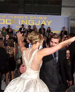 And was never one to shy away from a big, welcoming hug. | 31 Reasons Jennifer Lawrence Reigned Supreme Once Again In 2014