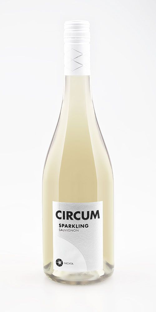 Sauvignon Sparkling, Víno NICHTA, 2015 Jemné, svieže, perlivé s krásnym ovocným buketom, v chuti jemne ovocné. Kúpite tu: http://www.wineexpert.sk/nichta/sauvignon-sparkling-2015 #wine #champagne #nichta #slovakia #svk #svkwine