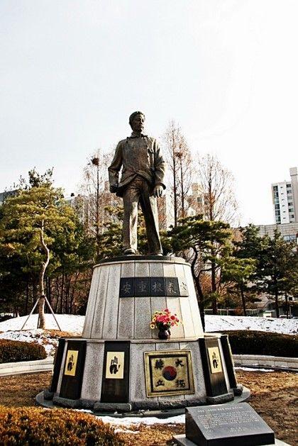 다가오는 3월 26일은 안중근 의사 순국 104주년이네요. 안의사와 관련된 그동안의 궁금한 사항들을 나름대...