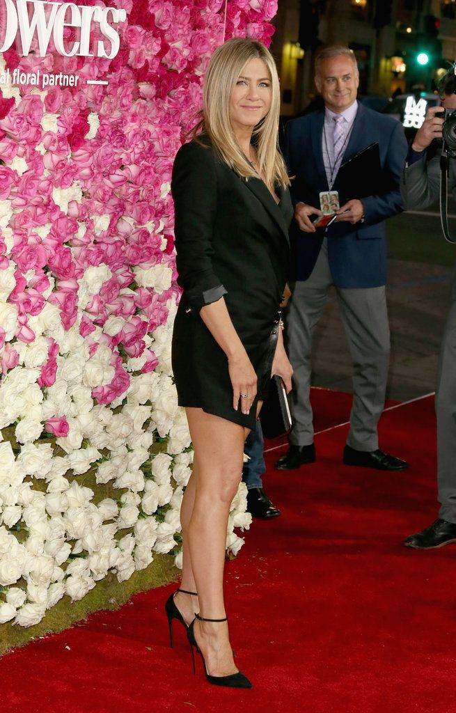 Jennifer Aniston bares some skin on the red carpet.