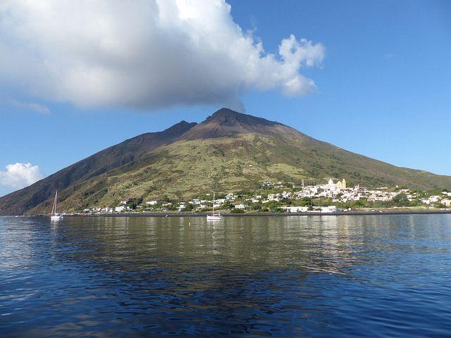 Stromboli, Aeolian Islands, Sicily, Italy http://www.actuweek.com/go/amazon-italie.php
