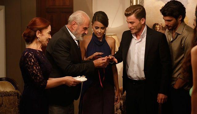 İnadına Aşk 14.Bölüm Fragmanı (1 Ekim 2015 Perşembe / Fox Tv) http://baydizi.com/yerli-dizi/diger-yerli-diziler/inadina-ask-14-bolum-fragmani-1-ekim-2015-persembe-fox-tv/#ixzz3n4Kp8qn8