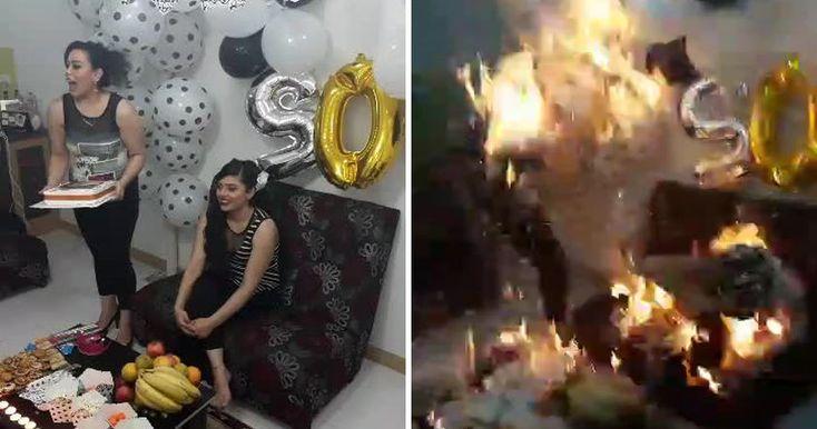 Юбилярша и ее подруга оказались охвачены огнем, когда гости облили их специальной пеной, которая загорелась от свечей.