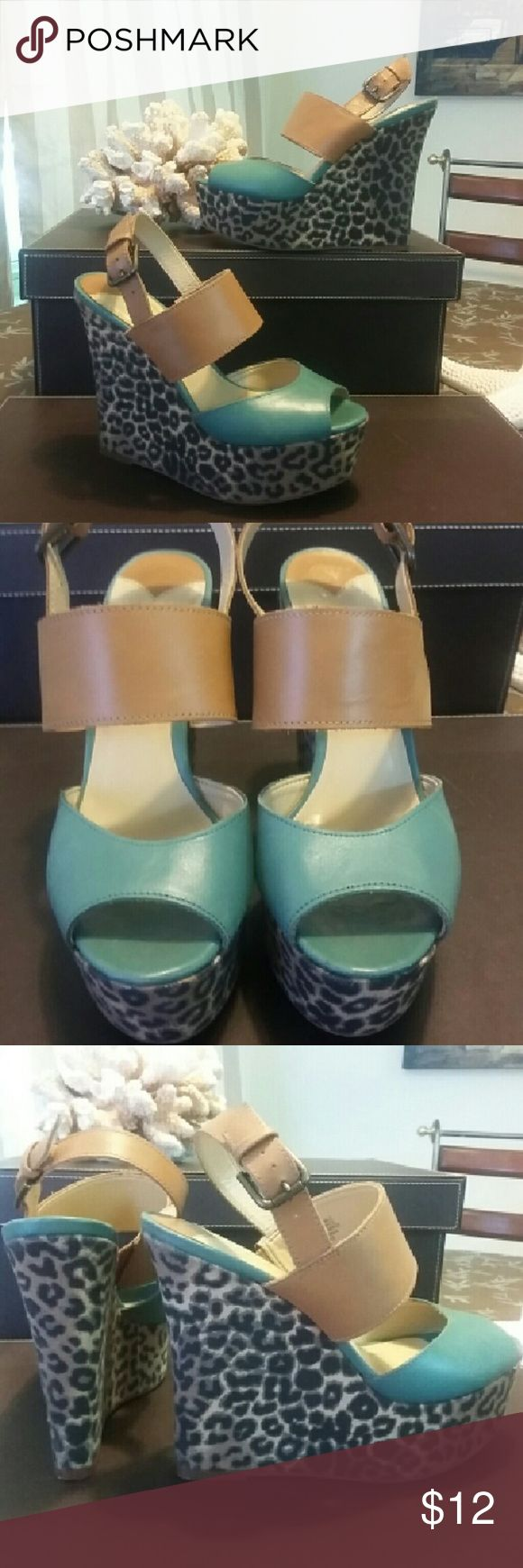 Nine West Wedge Plateau Heels sz.7M Nine West Wedge Plateau Heels sz.7M...very good used condition...Leather upper Nine West Shoes Wedges