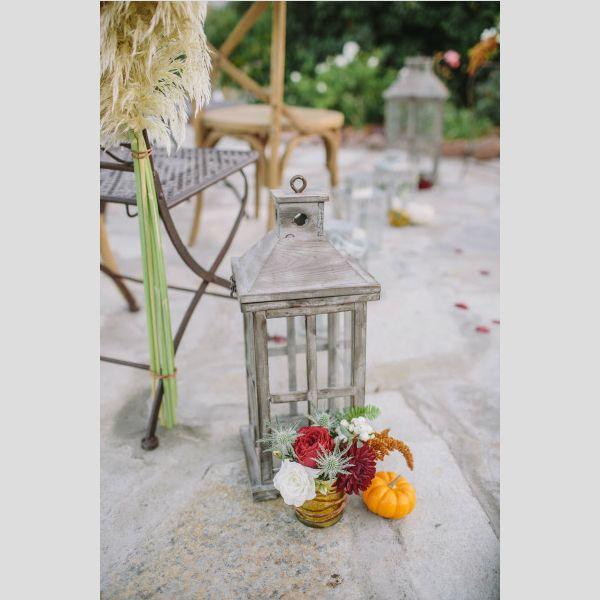 Ideias para a decoraração de um casamento de outono. #casamento #decoração #outono #flores #abóboras #velas