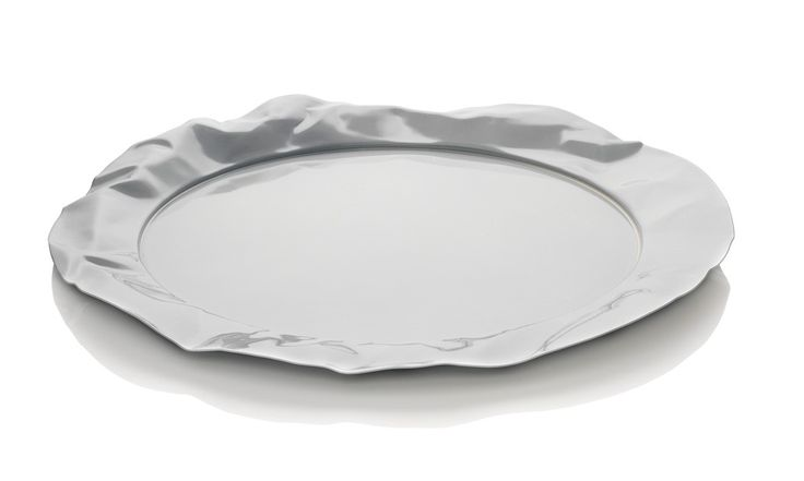 Foix' Round Tray. The mould makers must have been very skilled to get the two moulds precisely made to form the crumpled edge.