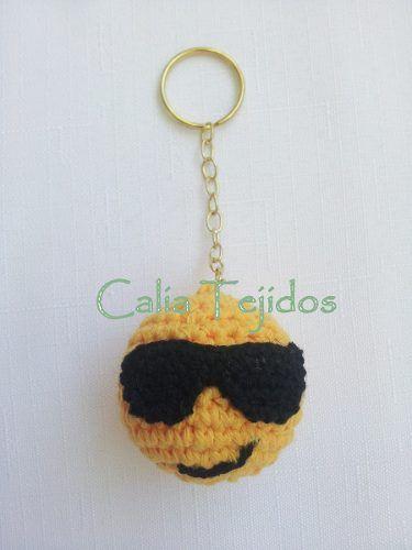 llaveros o souvenirs caritas smile tejidos al crochet