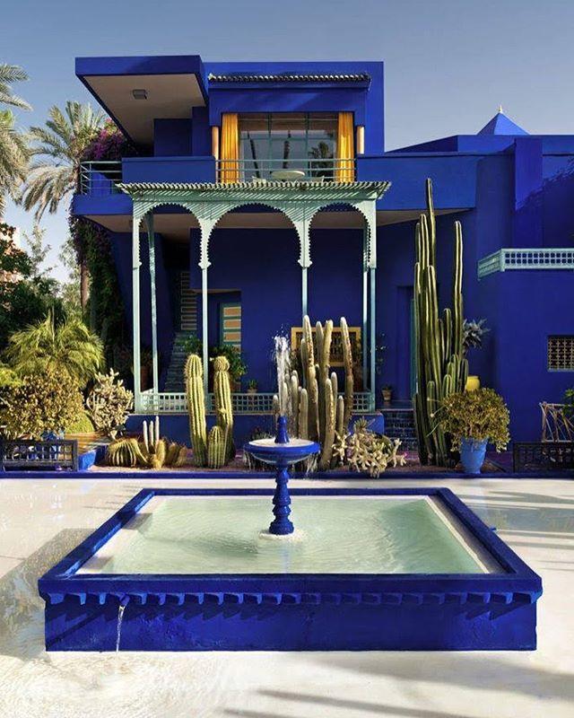 Ив Сен-Лоран говорил что Марракеш научил его использовать лазурный темно-красный и зелёный цвета. Сад Мажорель стал для него вторым домом и источником вдохновения. В этом месте собрано 330 видов растений со всего мира. #marrakech - #mustvisit #ysl #majorelle #jardinmajorelle #yvessaintlaurent #lifestyle #style  via VOGUE UKRAINE MAGAZINE OFFICIAL INSTAGRAM - Fashion Campaigns  Haute Couture  Advertising  Editorial Photography  Magazine Cover Designs  Supermodels  Runway Models
