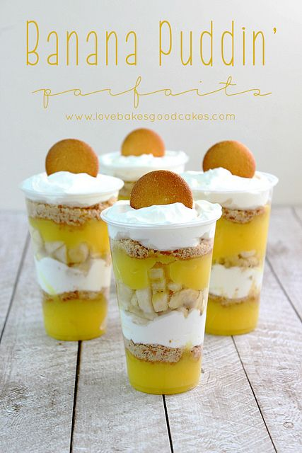 Banana Puddin' Parfait - a cool and refreshing dessert idea - perfect for summer potlucks and parties!