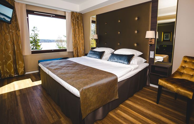 Kylpylähotellin DeLuxe-huone on hyvä valinta merkkipäivän viettoon. Kuva: LilyChristina Photography