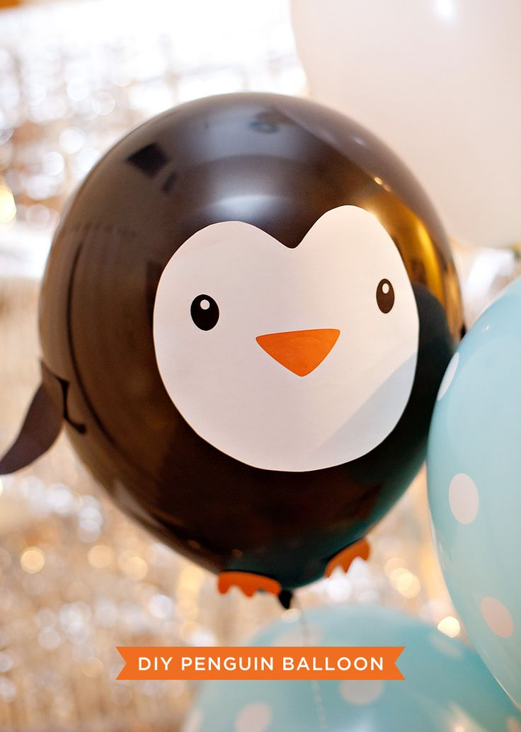 DIY Penguin Party Balloons! Find the tutorial + free printables on| Hostess with the Mostess®