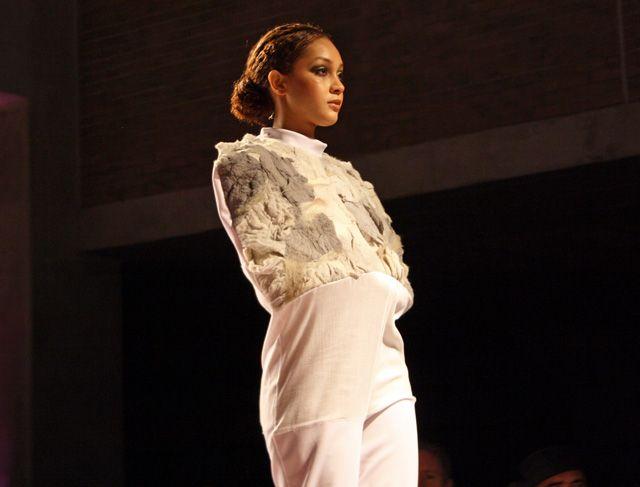 #straitjacket #avantgarde #fashion #amazing #fashionshow #inspiration