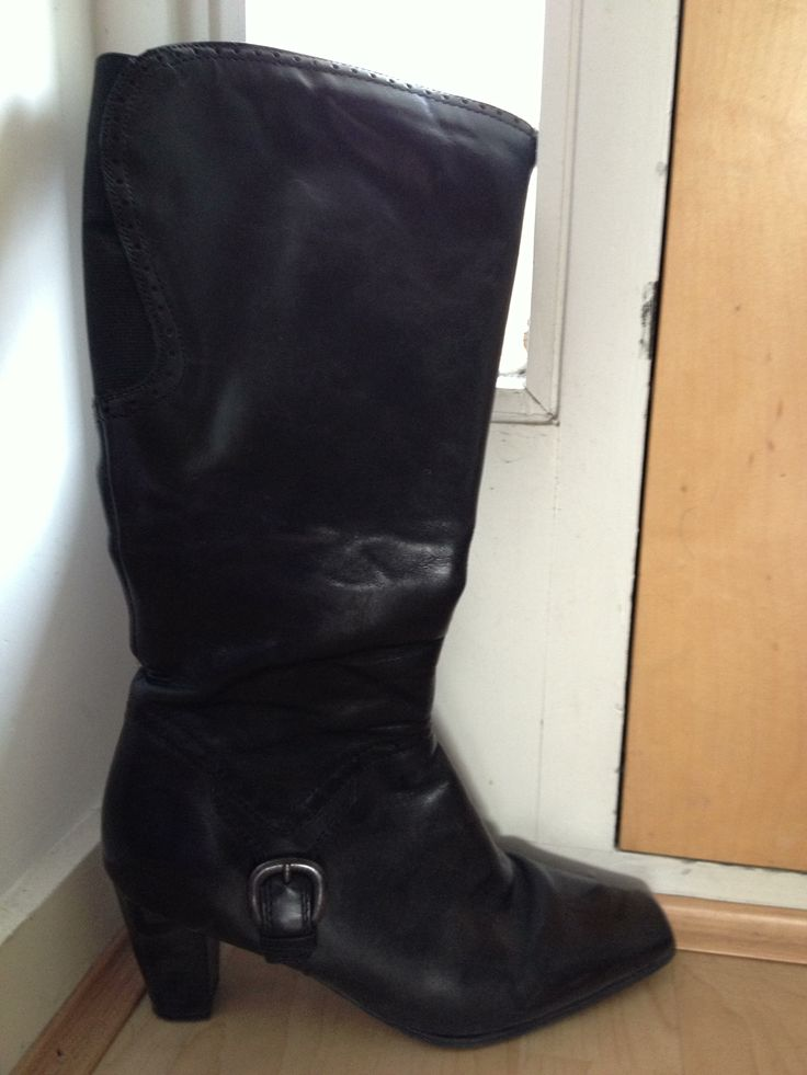 Clarks leather zip up boots