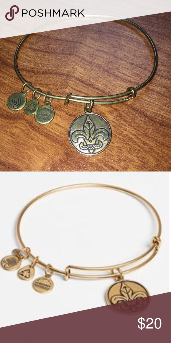 Fleur de Lis Alex and Ani bracelet⚜️⚜️⚜️ Fleur de lis alex and Ani bracelet in very good condition! Barely worn! Meaning is French Royalty charm. Channel inspiration, energy, and faith!⚜️ Alex and Ani Jewelry Bracelets