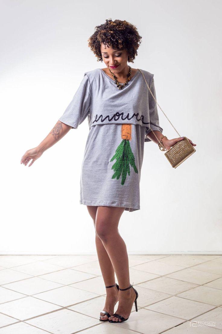 Look: Farm  Sandália e clutch: Schutz  Colar: Espaço Fashion