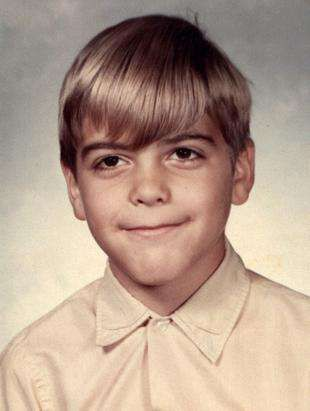 when they were young omg george clooney much younger then pinter. Black Bedroom Furniture Sets. Home Design Ideas