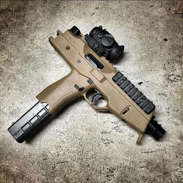 Gorgeous piece #gun #guns #military #rifle #combat #hunting #shooting #gunlife #gunporn #freedom #pistol #firearm #firearms #nra #gunsdaily #guncontrol #handgun #handcannon #weaponsreloaded #rvlvr #defendthesecond #gunfreaks #merica #usa #godblessamerica