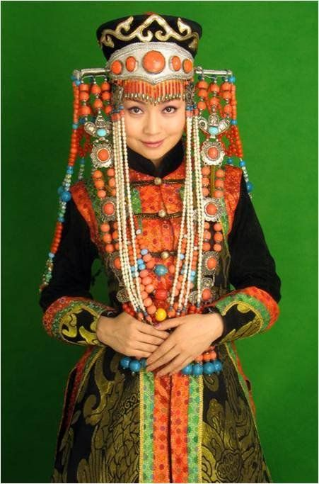 Beauty is her eyes  accentuated by the color of green and orange | Classical Mongolian Women Costume