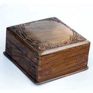 Google Image Result for http://www.craftsinindia.com/wholesale-handicrafts/images/decorativeboxes/wallnut-wood/wallnut-wood-box-133.jpg