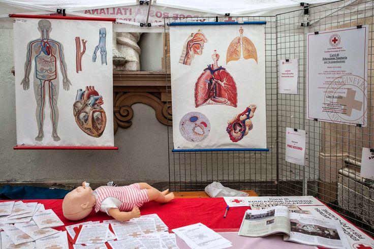Il gazebo della CRI a Palazzo Lascaris per promuovere attività di primo soccorso e educazione sanitaria