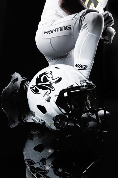 I use to like Oregon bc of there sick uniforms, but I like Oregon now bc of there program
