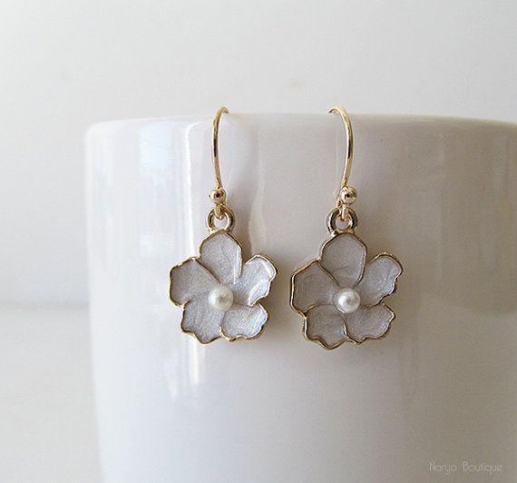 Light Grey Flower Earrings  Ivory Sakura Flower by naryaboutique