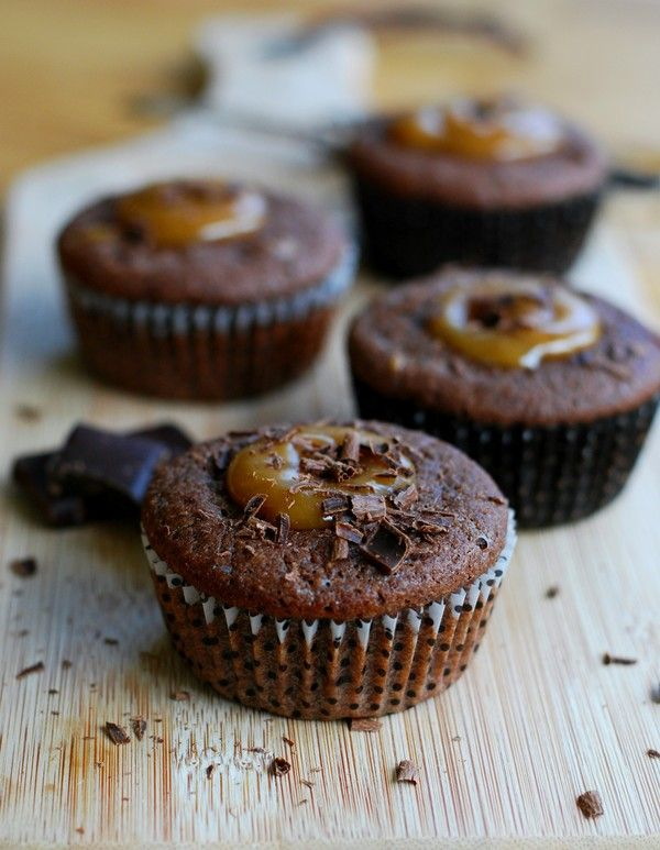 Toffee chocolate muffin (gluten free, no sugar added) - Chokladmuffins med kola…
