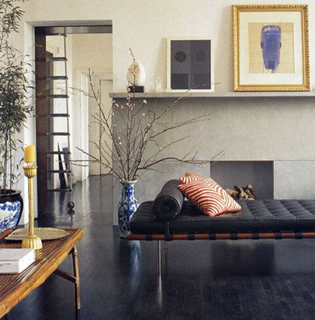 Frog Hill Designs: The Barcelona daybed by Mies Van Der Rohe.