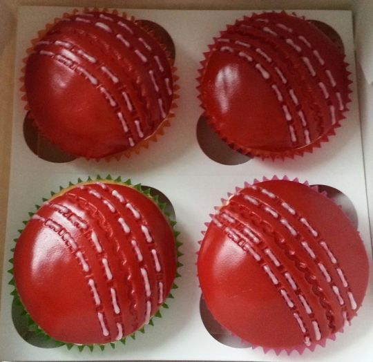 The SI Bakery Cricket Ball Cupcakes