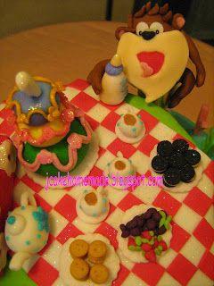 Jcakehomemade: Baby Looney Tunes Theme Birthday Cake