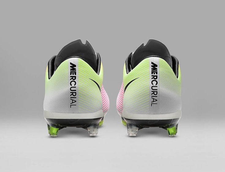 The new white Nike Mercurial Vapor X 2016 boots feature a stunning gradient  on the upper