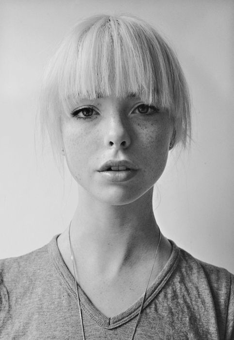 .Hair Beautiful, Face, Polka Dots, Platinum Blondes, Bangs, Beautiful People, Portraits, Freckles, Photography