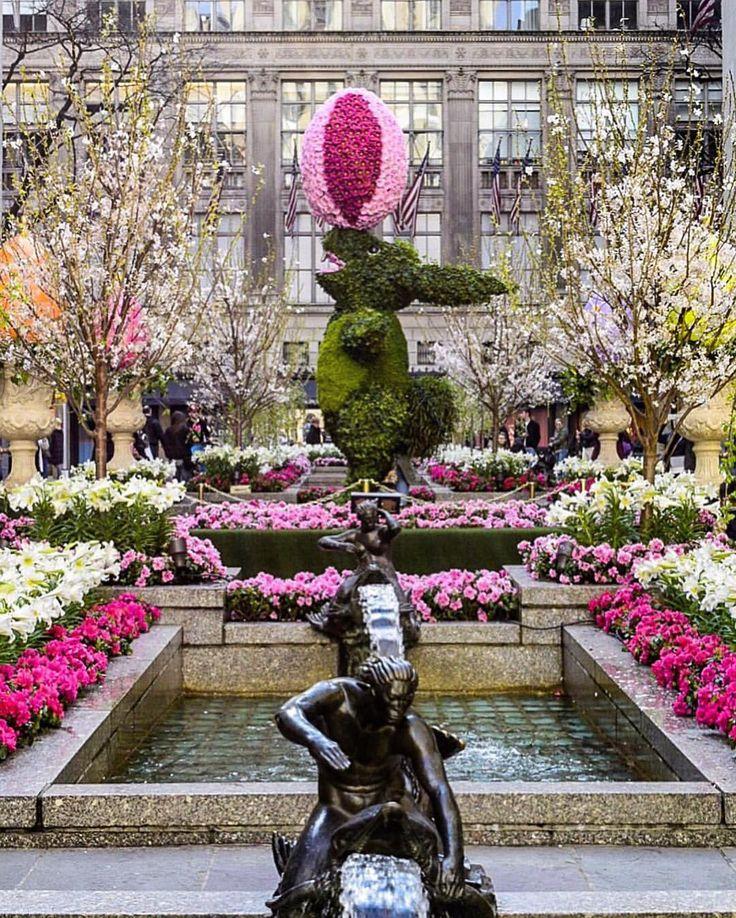 Spring time in Rockefeller Center New York