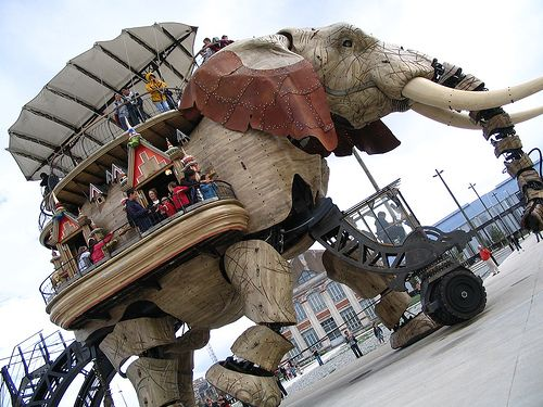 from the island of nantes, france: walking sculptures inspired by jules verne.Giants Girls, Girls Dolls, Giants Boys, Jules Verne, Boys Dolls, Steam Punk, Walks Sculpture, Sculpture Inspiration, Nantes France