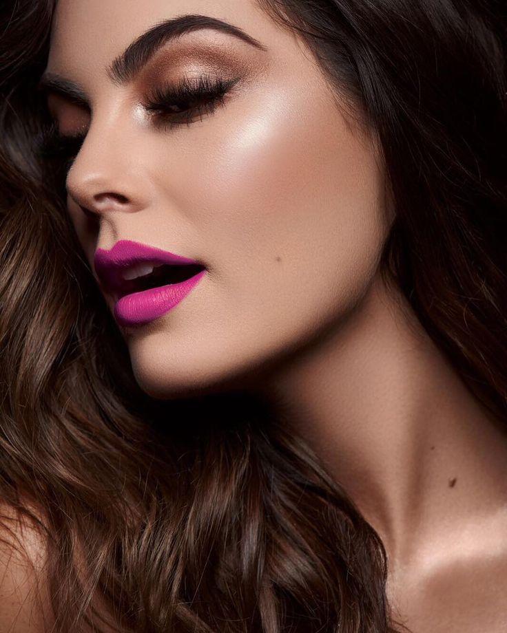 Probando nuestros lipstick Universo  ... Ximena Navarrete By Victor Guadarrama #MakeupByVictorGuadarrama #HairByYariMejia @vicoguadarrama @yarimejia les gusta ?!!