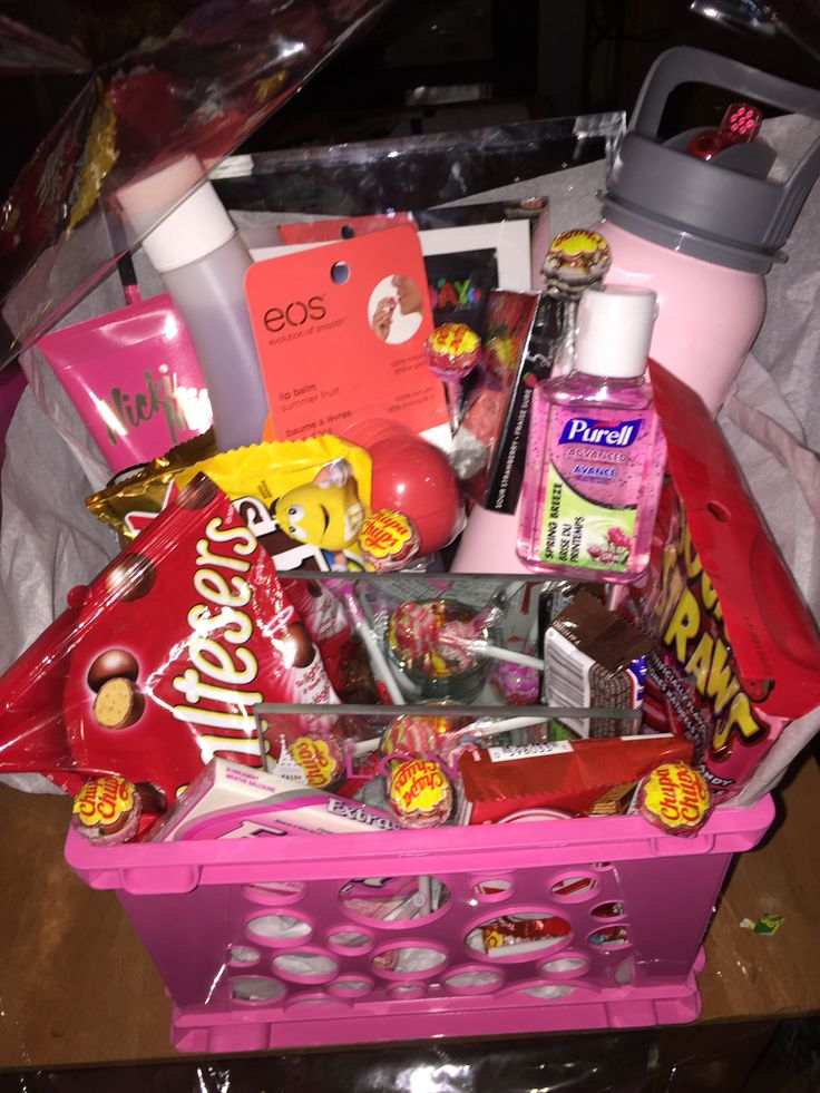 Made a gift basket for my best friend's birthday. with little things she likes | Birthday gifts for best friend. Best friend bday gifts. Birthday ...