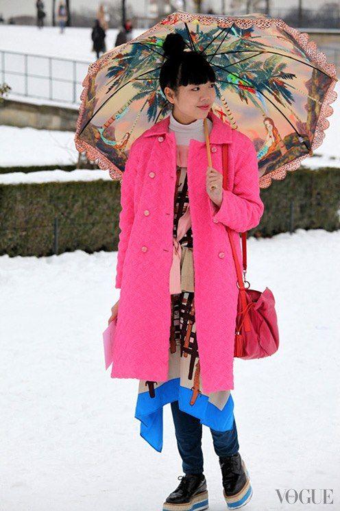 SUSIE with Tsumori Chisato umbrella. Streetstyle