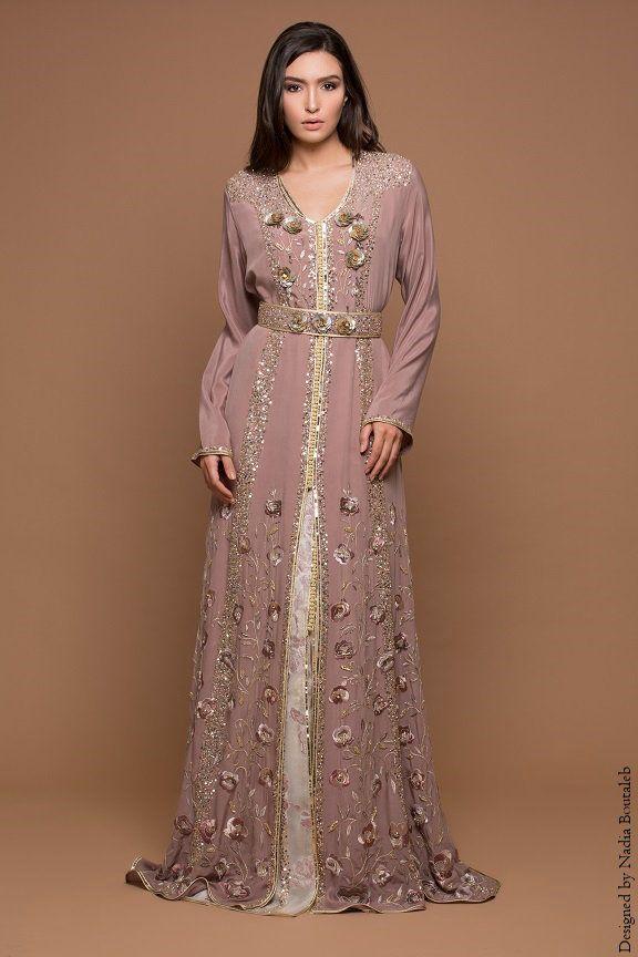 Nadia Boutaleb est sans doute l'enseigne à Casablanca qui exprime le mieux ce qu'est la Haute Couture Marocaine. Ses Caftans raffinés et élégants, sont sublimés