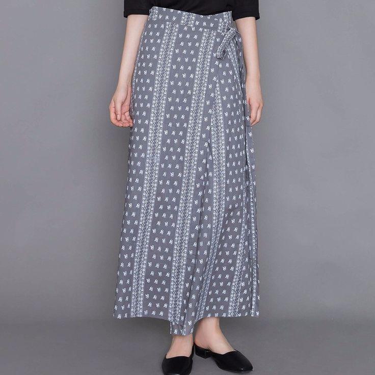 エスニックラップロングスカート 洗練された印象のラップスカートをご紹介します。 存在感のあるエスニックなパターンがとってもオシャレ☆ ロング丈で動きやすい上、体型カバー効果まであるから嬉しい! シンプルなTシャツを合わせるだけでスタイリッシュにキマります↑ #maysome #uniquestyle #ootd #fashion #ファッション #韓国ファッション #フェミニンコーデ #大人可愛い #モデル #韓国通販 #今日のコーデ #koreafashion #シンプルコーデ #カジュアルコーデ #オルチャンファッション #dailyfashion #dailylook