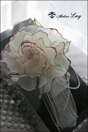 アメリカンフラワー 生徒さま作品|愛犬とお花に癒されて・・・