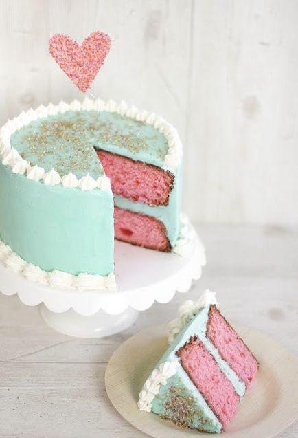 Beautiful modern vintage wedding cake. Love those colours.