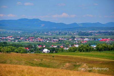 """Vicovu de Sus is situated in the valley that crosses Sucevei Bucovina sweet ... this world, unique fertility, having people settle in the deep prehistory"".http://greattimesphotography.blogspot.ro/2015/07/vicovu-de-sus.html"