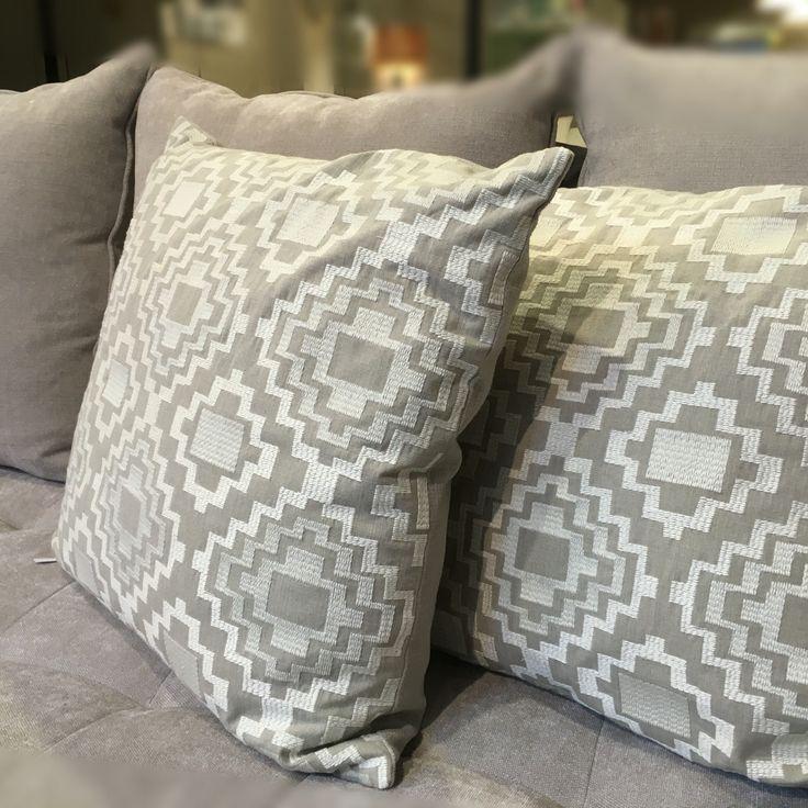 Equinox @ Ontario Fabrics - Geometric Collection // #deco #cojin #coixi #home #bordado #brodat #geometric #geometrico #natur #natural