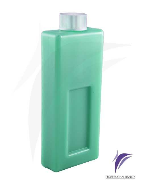 Cera Azuleno Recargable 100g: Resina enriquecida con azuleno y dióxido de titanio, ideal para piel sensibles y/o zonas delicadas en todo tipo de vello. Sus propiedades son calmantes y descongestionantes.